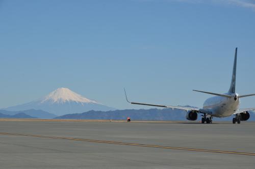 静岡で空の旅を支える営業職 ★富士山静岡空港株式会社★