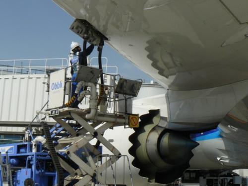 関西空港事業拡大中につき航空機給油作業員の募集!(未経験の方も歓迎)